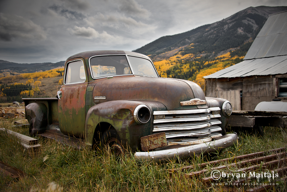 Photos of Vintage Classic Cars, Trucks and Junkers