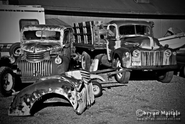 Classic-Junker-Cars-in-Junkyard