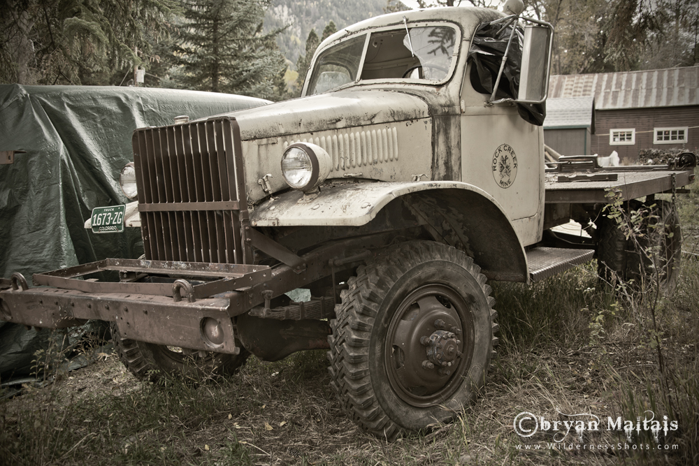 Classic Junker Trck Black and White