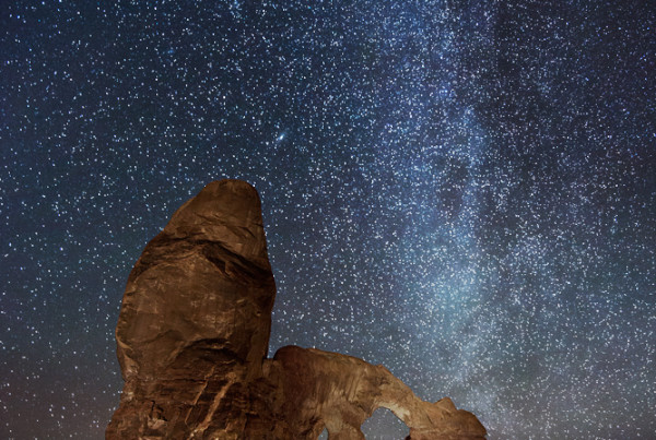 Turret-Arch-Stars-Night-Utah-Arches-National-Park