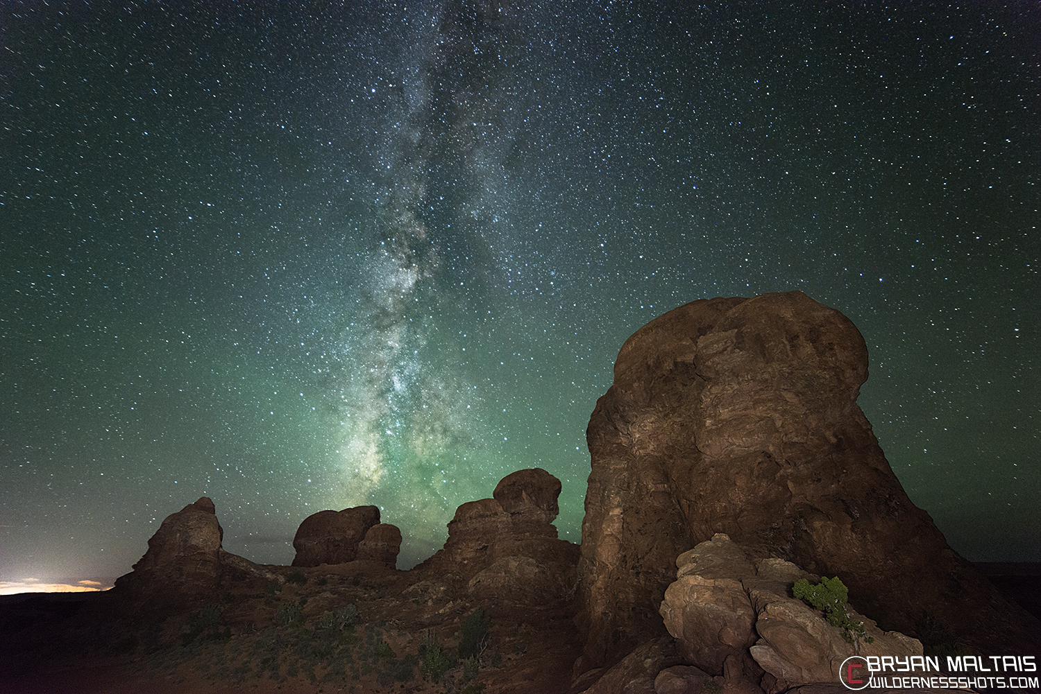 milky way over arches national park