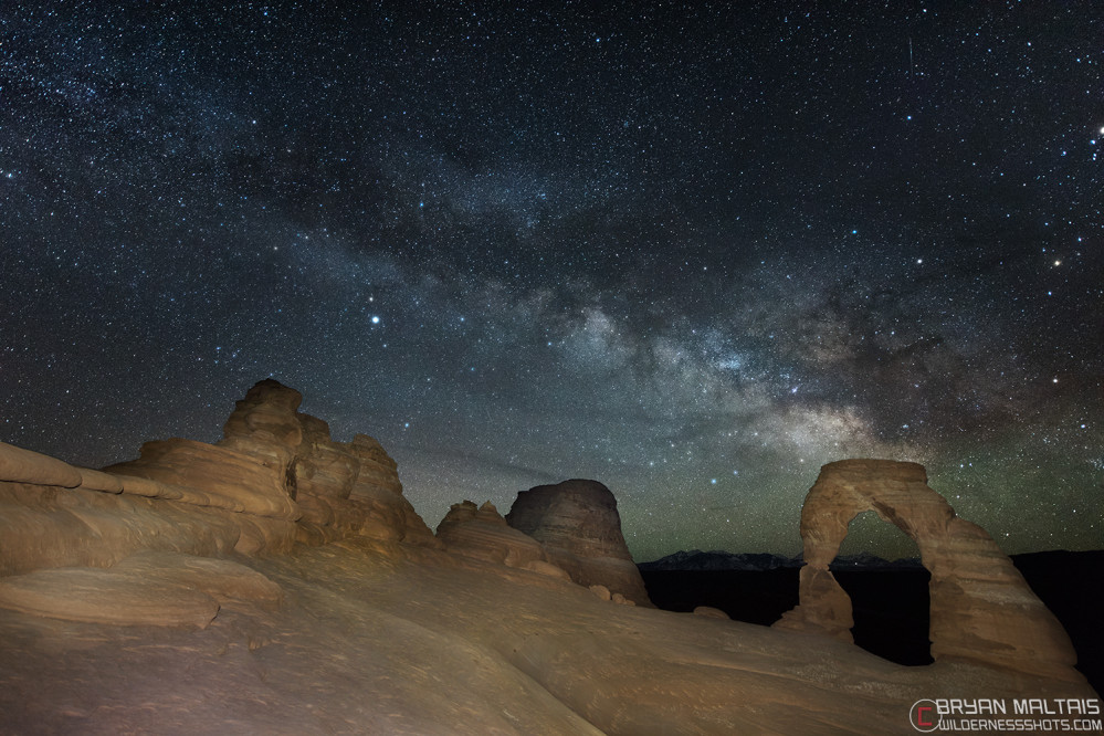 delicate arch milky way light painting