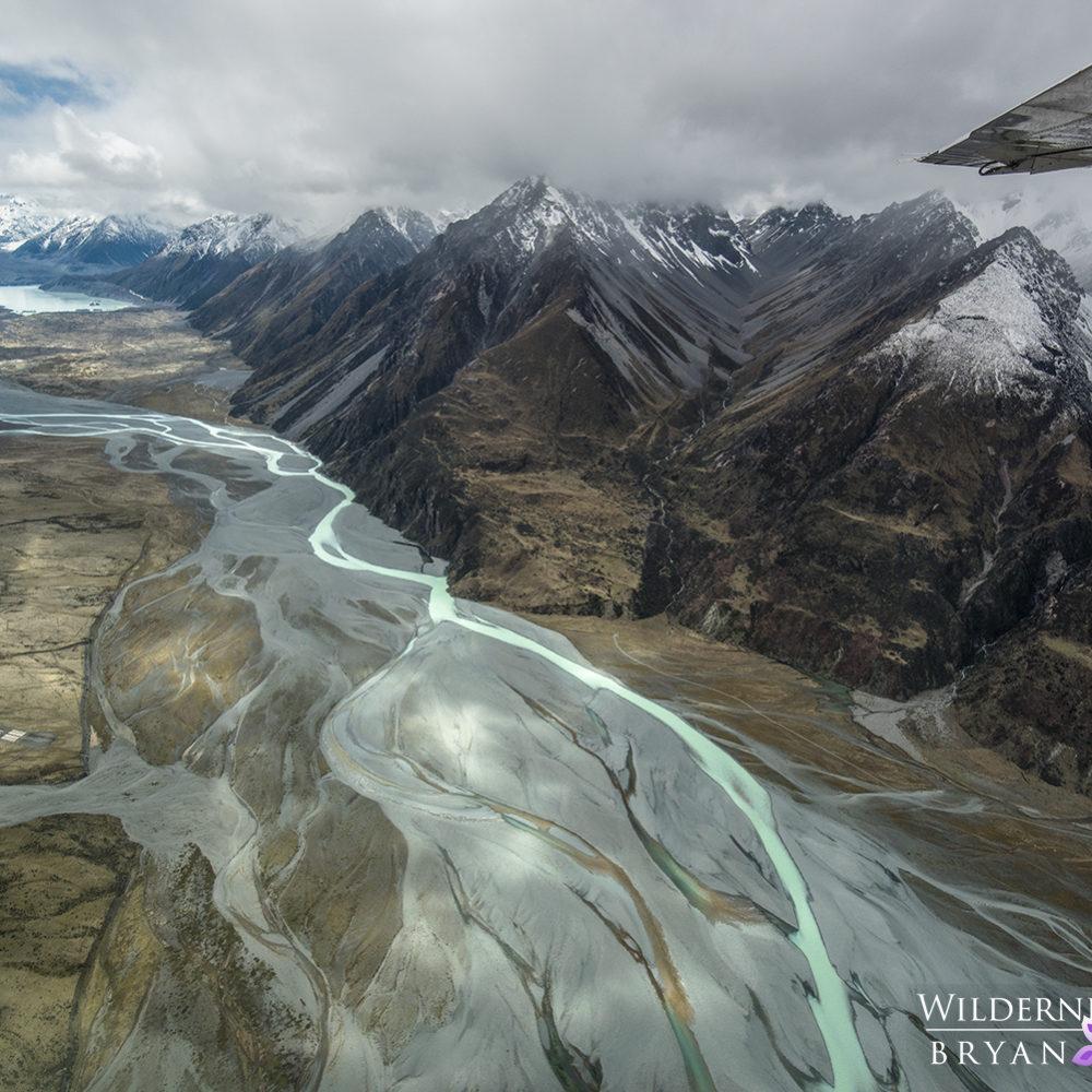 pukaki valley from the air new zealand photos