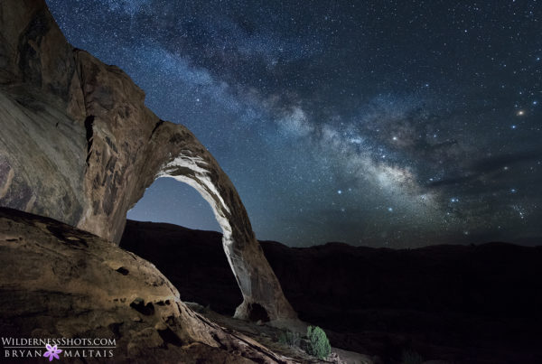 moab arches light painting milky way photography